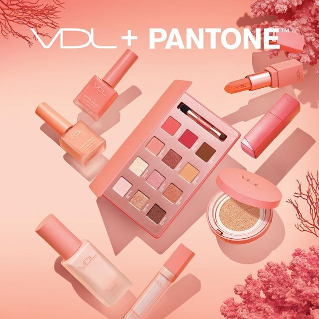 VDL PANTONE Collection