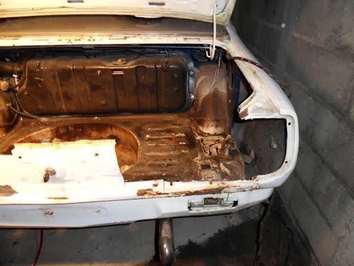 [MAZDA 121]Restauration Mazda 121 1977 - Page 4 Coffre9