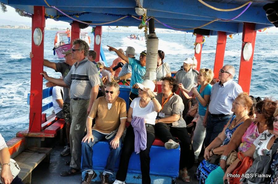 Акко. Прогулка на кораблике вдоль крепости. Экскурсия по Западной Галилее. Гид в Израиле Светлана Фиалкова.