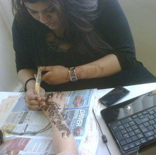 Sonia Ahmed (Tbs Henna)