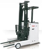 Xe nâng reach truck đứng lái TCM