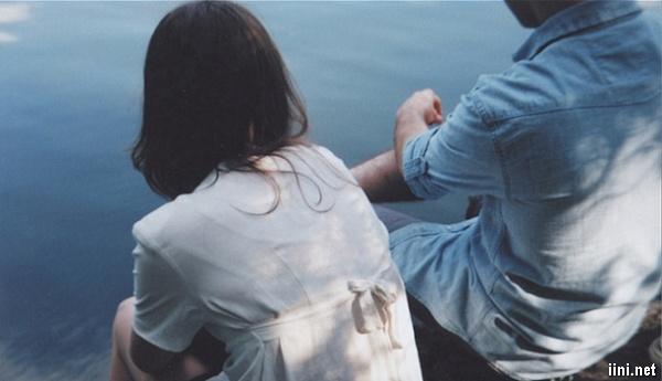 Tâm sự Bực mình vì bạn trai nói năng nhẹ nhàng với những cô gái khác