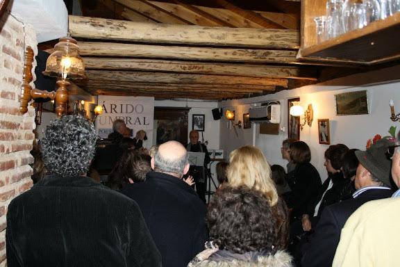 Presentación de árido Umbral en el Bar Correo de León