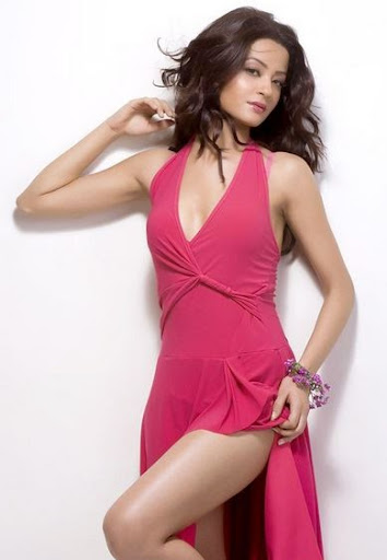 surveen chawla hate story 2