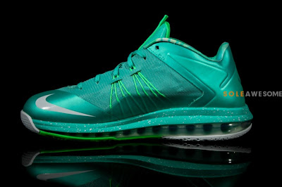 nike lebron 10 low ss green white 2 04 A Detailed Look at Nike LeBron X Teal Green (579765 300)