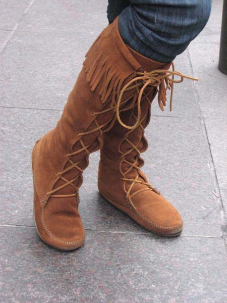 Foot Fashion, Boots, Trendy Boots Hit the Street