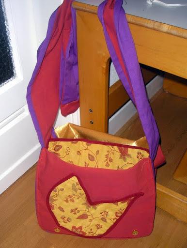 Binnenkant tas met bloemetje(s)