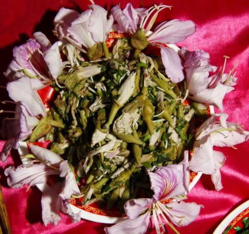 391 Món ngon từ hoa ban của người Thái