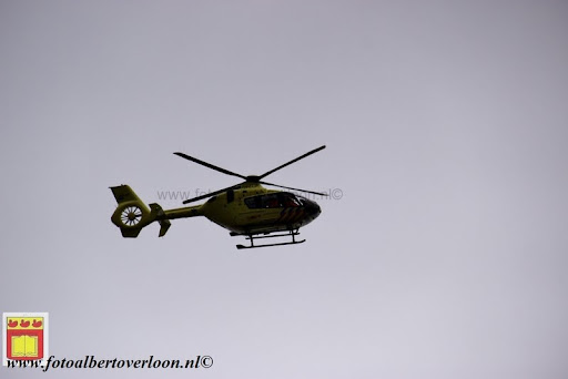 traumahelikopter landt in overloon 21-11-2012 (1).JPG