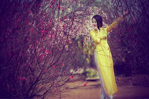 Thơ mùa Xuân tình yêu