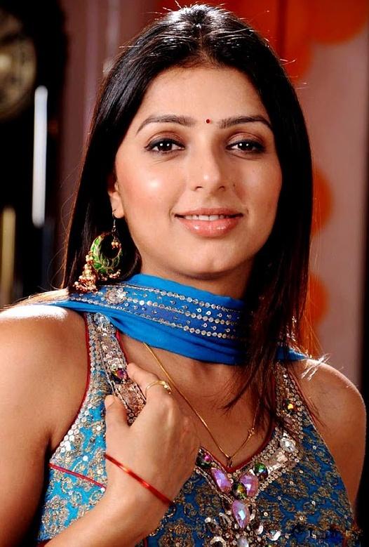 Ideal actress bhumika chawla hot