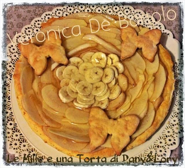 crostata farcita con crema pasticcera e frutta