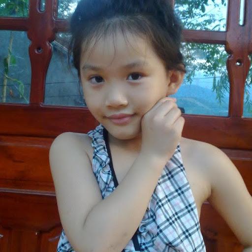 Thu Quach Photo 23