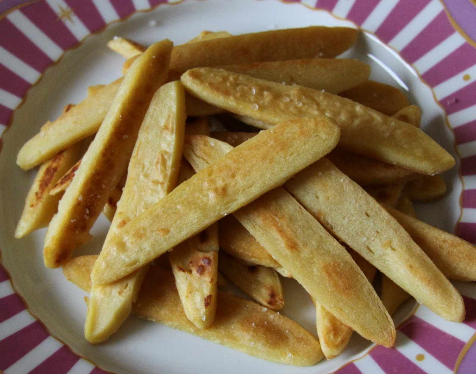 Panisse Fries..... Socca's sister food..... I am in heaven ...