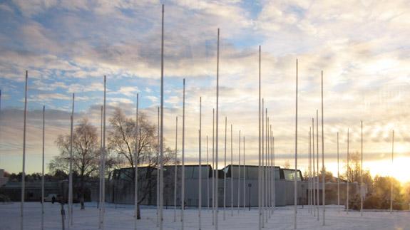 De Alvar Aalto bibliotheek (van de buitenkant)