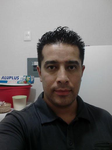 Gabriel Mendiola Photo 15