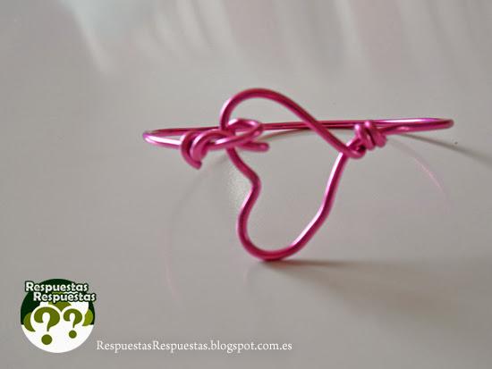 Cómo hacer una pulsera de alambre.