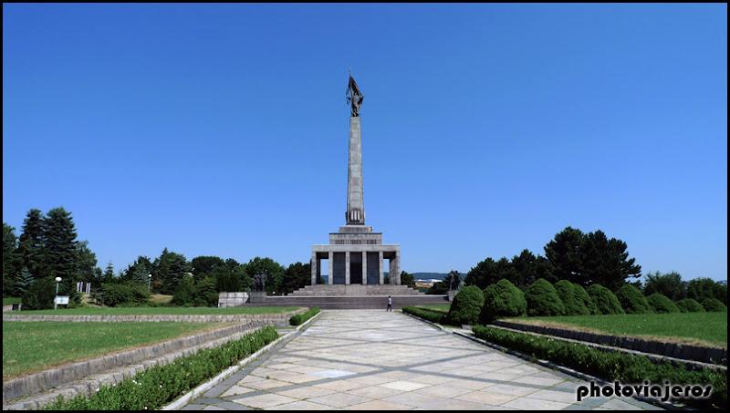 Monumento a Slavin
