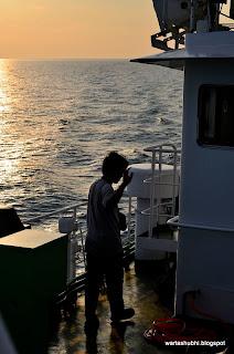 Berlayar Naik Kapal Nelayan Laut Dalam - 3