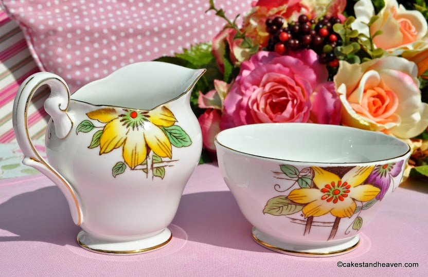 1940s Chapmans Garden Terrace milk jug and sugar bowl