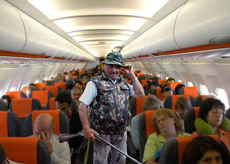 padurar in avion Avioanele româneşti vor avea la bord câte un pădurar
