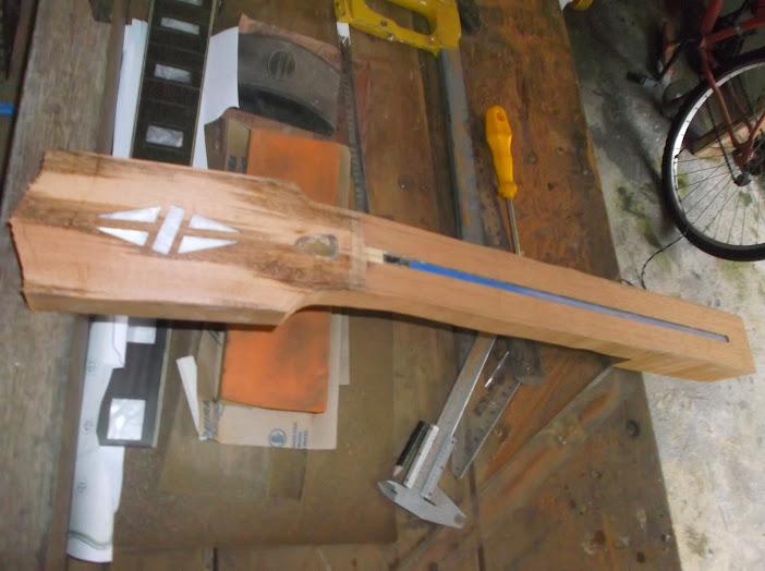 Construção inspirada Les Paul Custom, meu 1º projeto com braço colado (finalizado e com áudio) - Página 3 DSCF1151