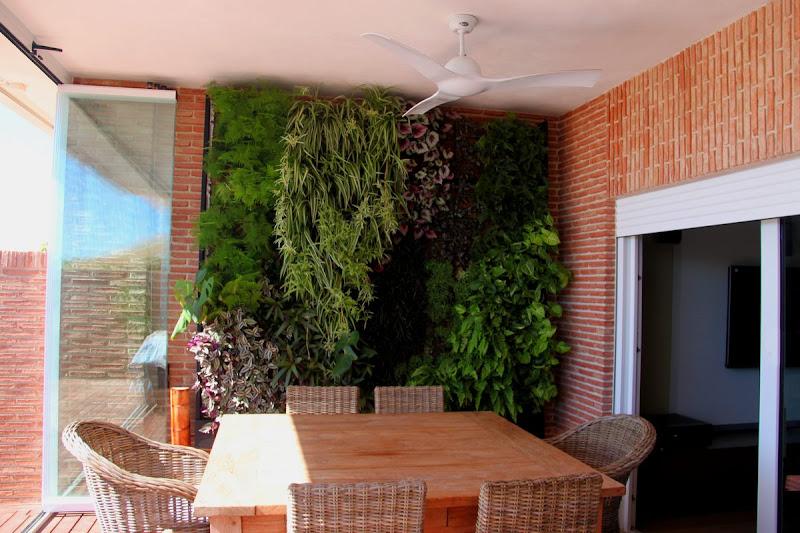 Jard n vertical de interior en alicante urbanarbolismo for Jardines verticales pdf