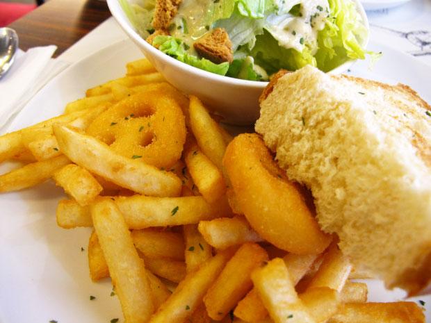 喜歡吃阿喜的小笑臉薯餅-台中美食阿喜義大利麵