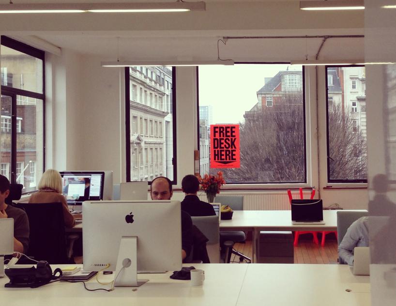 *FREE DESK HERE免費工作室辦公桌:在這裡! 2