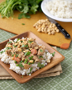slow cooker indonesian peanut chicken