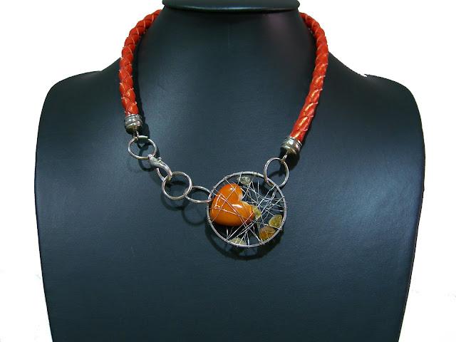 Collares de cuero trenzado CIMG3082