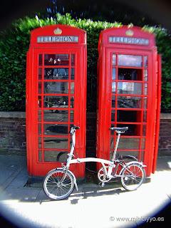 Cabinas telefono Inglesas y Brompton bikes