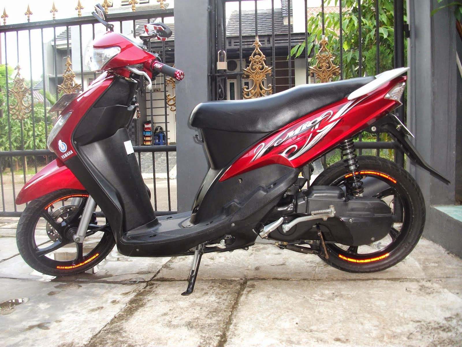 modifikasi motor mio sporty warna merah terkeren