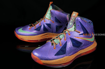 nike lebron 10 gs galaxy 2 01 A Detailed Look at Nike LeBron X GS Galaxy (543564 500)