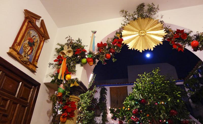 patio, navidad, estrella de navidad, adornos navideños, decoración navideña, turismo, córdoba, patrimonio inmaterial de la humanidad