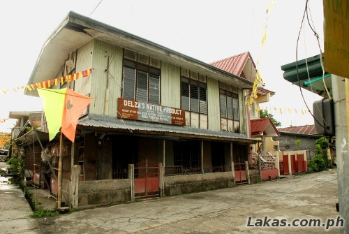 A shop that sells banig