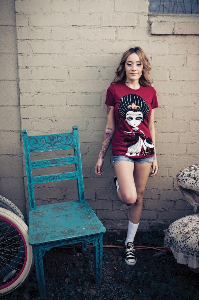 pamela millo, queen of hearts shirt, alice in wonderland style, street alice wonderland, tattoo fashion, nerdy tattoo style, geek chic, akumuink