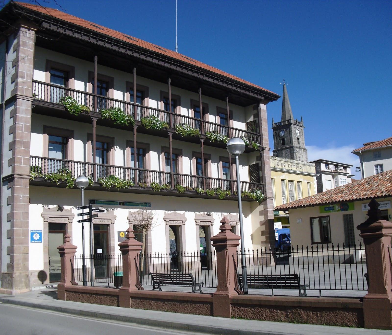 La ciudad habla ayuntamiento nuevo de comillas for Oficina de turismo de comillas