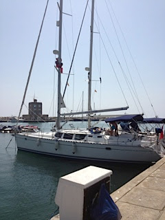 Yacht Delivery Jeanneau 43 DS