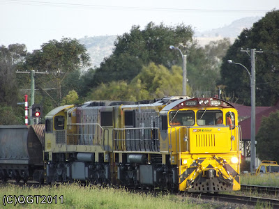 QRN 2337,2347 with empty coal train