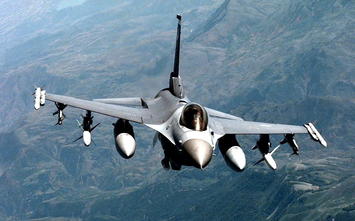 F-16 Fighting Falcon, Foto Jet Tempur 1