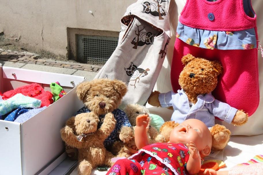 Teddy und Puppen für die Kleinsten beim Westpaket