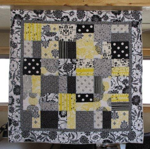 Quilting In The Bunkhouse Black White And Yellow
