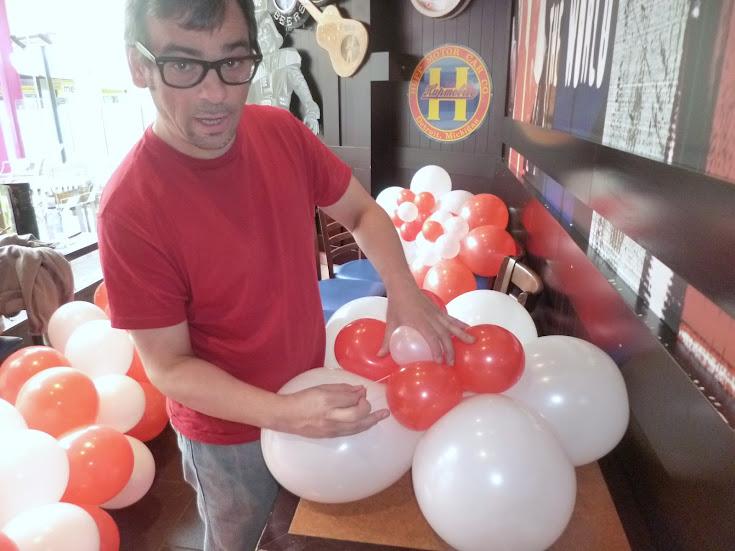 Como hacer una flor de 5 petalos imagui for Como hacer decoracion con globos