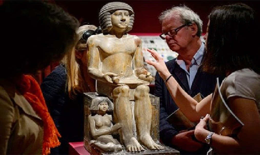Near East: Sale of Egyptian statue by Christie's criticized