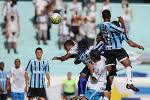 Crítica ao Futebol. Grêmio perde em casa e tem técnico expulso.