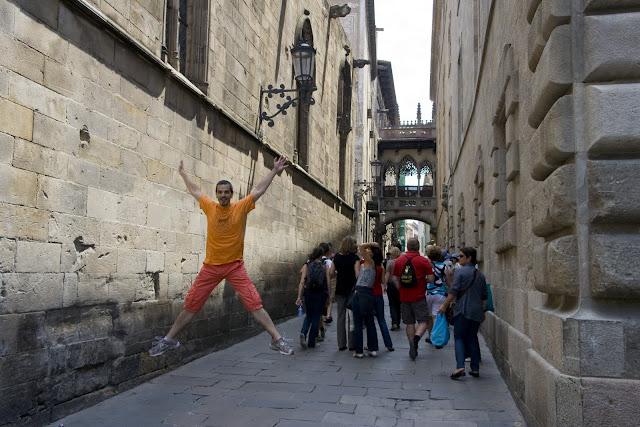 Salto en el carrer del Bisbe