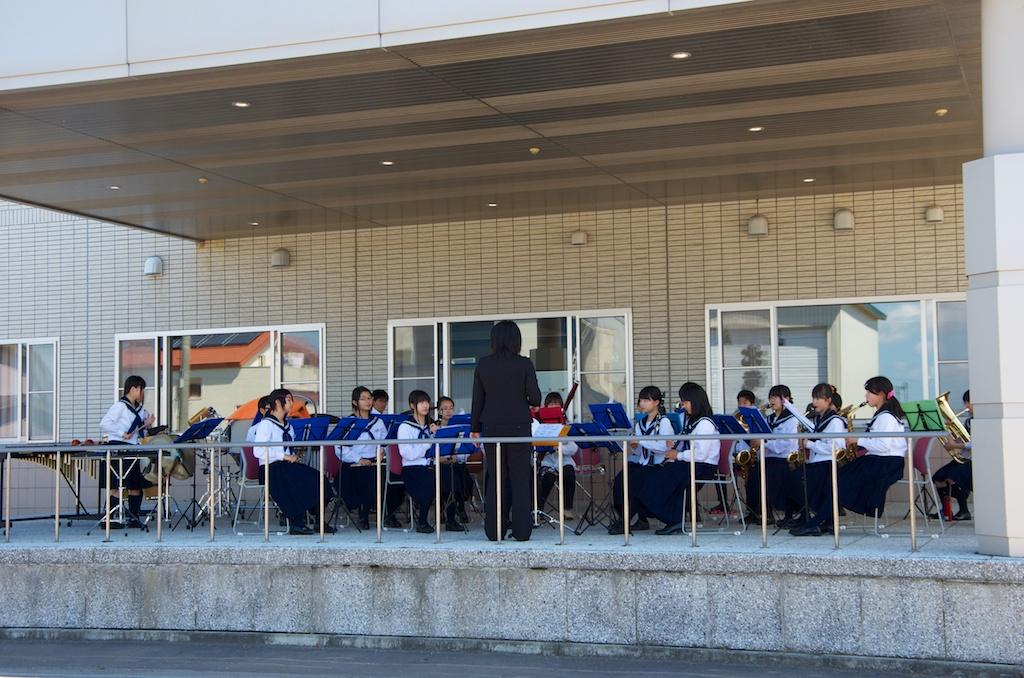 北竜中学校の吹奏楽部による演奏