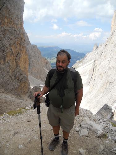 Ken, ascending to Demetz Hutte.