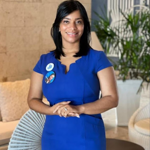 Jennifer Velasquez Photo 20